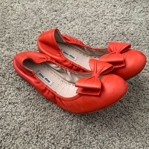 red miu miu bow flats